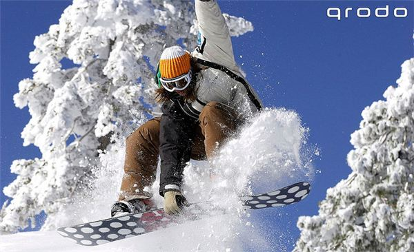 The Daring Snow Boarder