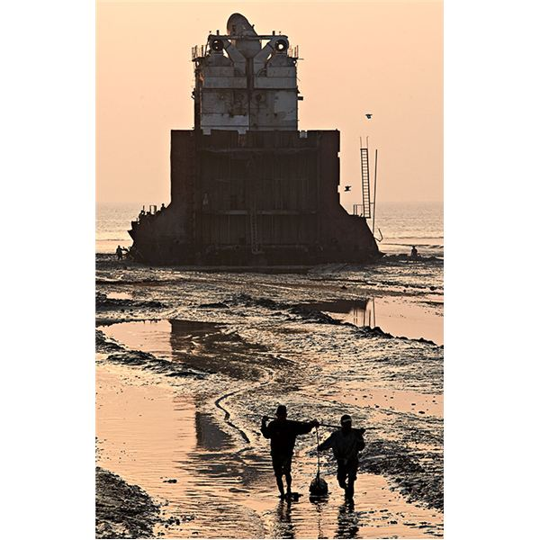 oil sludge near ship breaking