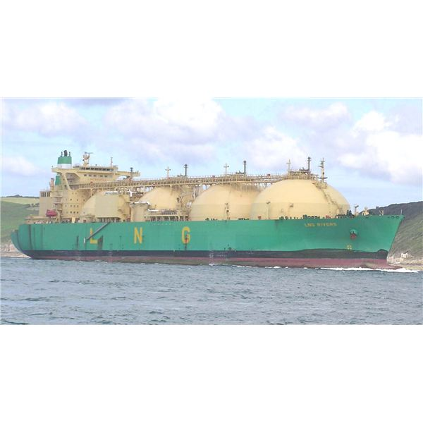 LNG Tanker from Wiki Commons by Pline