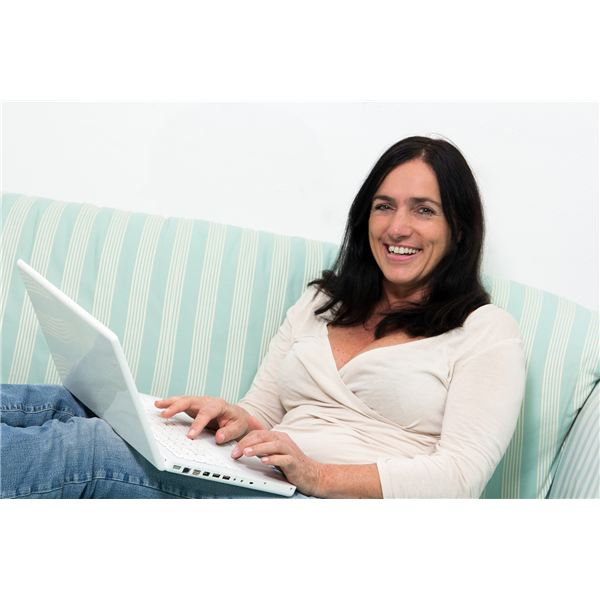 What Does the Average Online Learner Look Like? Studies Show Women in their 30's Benefit Most from Online Education