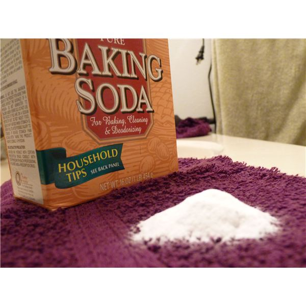 Baking Soda: A back-to-basics facial scrub?