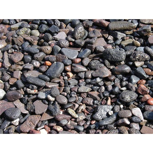 A high quality image of gravel to be seamlessly tiled.