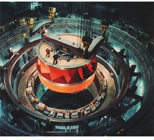 683px-Water turbine grandcoulee