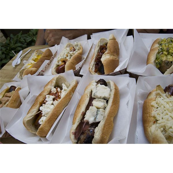 800px-Selection of hot dogs