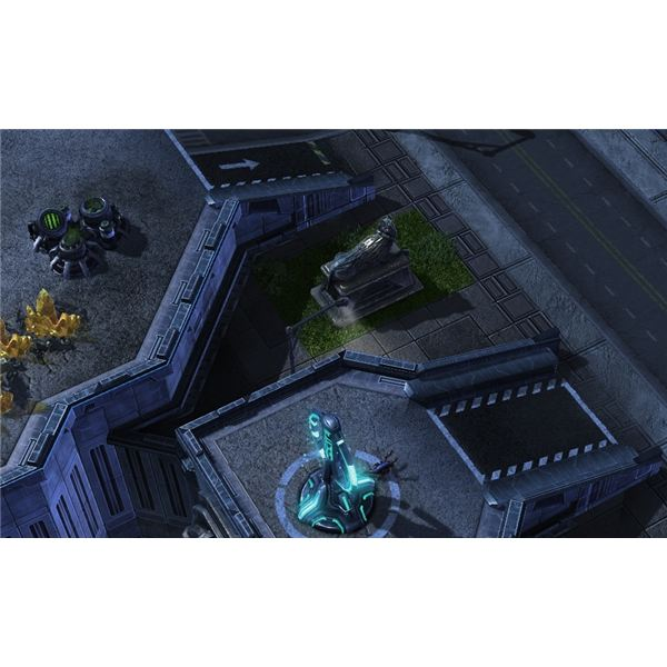 A single zergling holds a tower