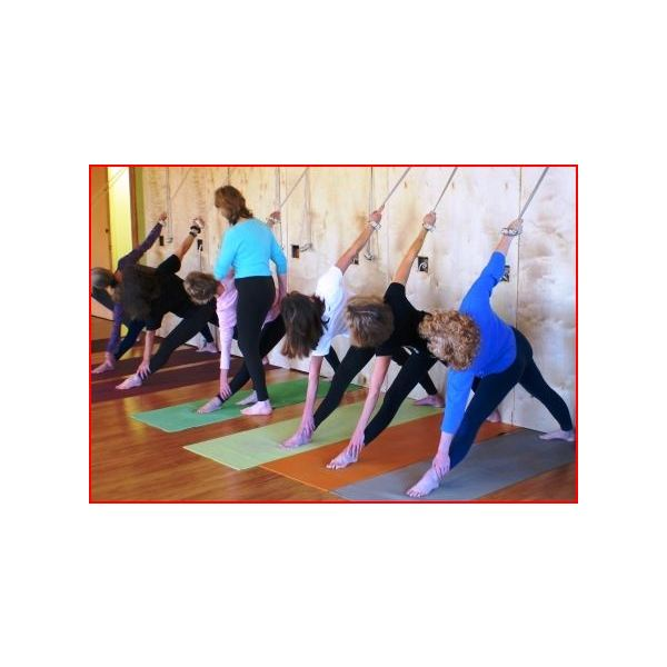 Northern Lights Yoga, Iyengar Class
