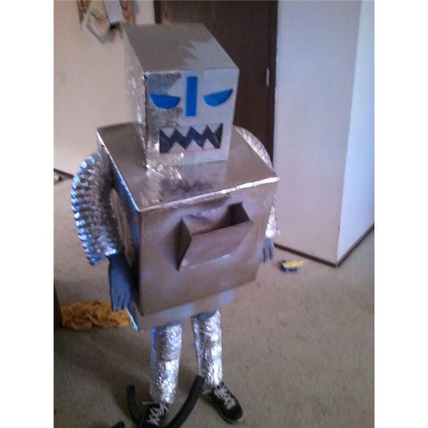 5 recycled halloween costume ideas for adults and kids for Items made from waste material for kids