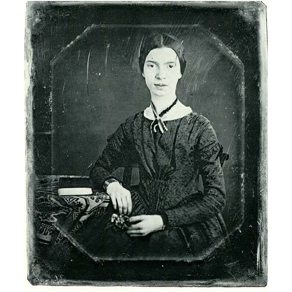 Brief Bio of Emily Dickinson: American Poet & Recluse