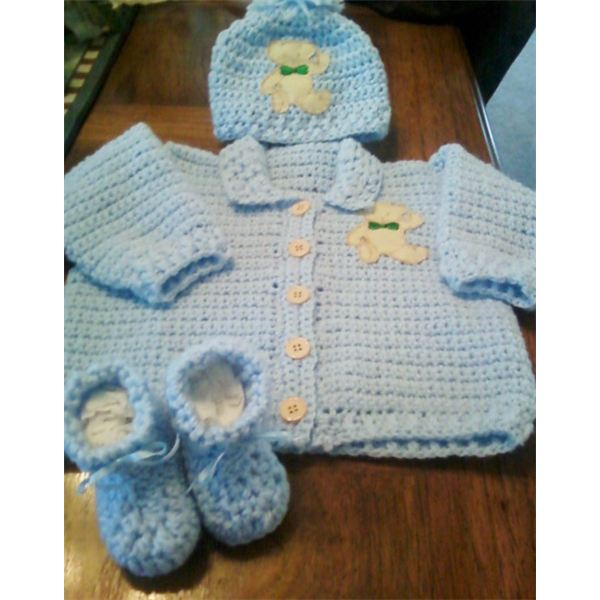 Free Crochet Pattern And Instructions For Newborn Sweater Hat Booties