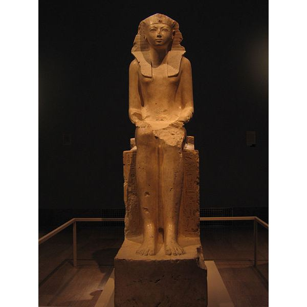 was hatshepsut the first female pharaoh