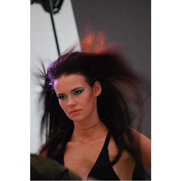 401px-Georgia - windswept hair, close - Nikon School, MSFW 2010