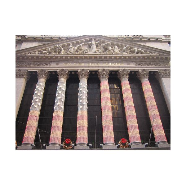 New York Stock Exchange (Image Credit: Flickr user korobokkuru)